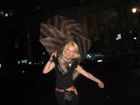 Geriausias draugas Londone - skėtis!