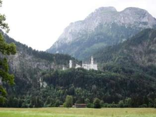 Neuschwanstein pilis, statyta Liudviko II