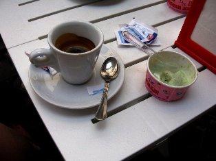 Itališka kava ir ledai. Roma, Italija