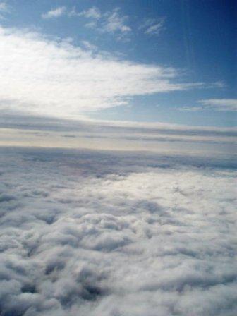 Virš debesų pakeliui namo