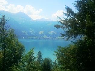 Thun ežeras Šveicarijoje